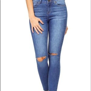 Paige knee ripped skinny jeans size 31